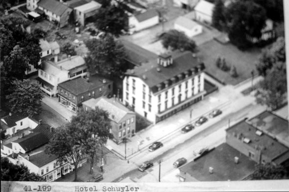 Schuylerville Had A Dry Dock Terminal And Mule Barn Numerous Warehouses Were Built Along The C Hotels Related Businesses Flourished